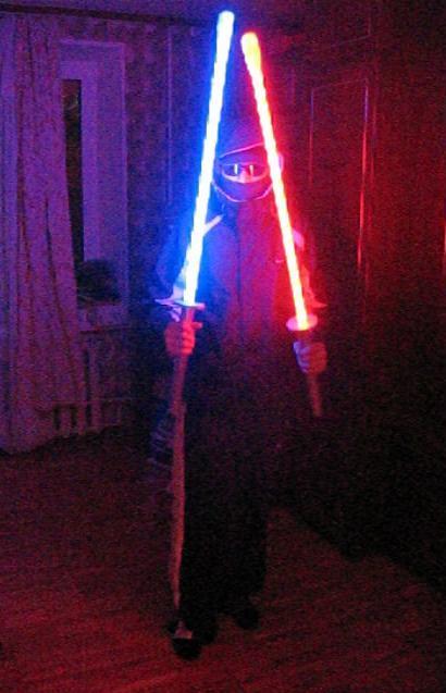 ведь сколько как сделать настоящий световой меч в домашних условиях Кинг